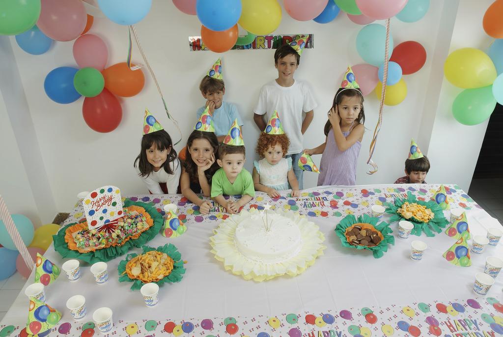 宝宝成长记录视频、宝宝生日派对